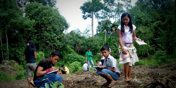 Kabataang Lumad, tinuturuan ng abanteng agrikultura sa Alcadev. Jayson Fajarda